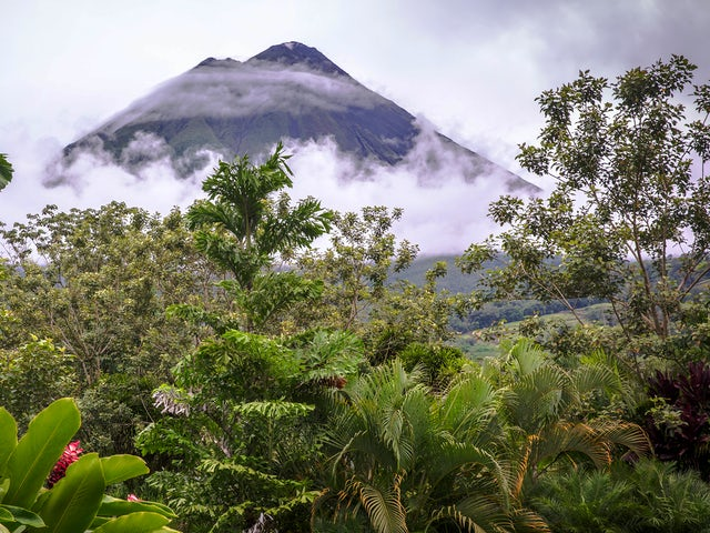 Volcano Adventure & Panama Highlights