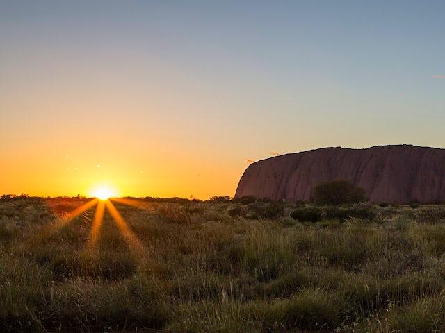 Melbourne, Outback & Uluru Adventure